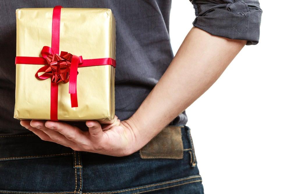 17 Unique Romantic Gifts Image
